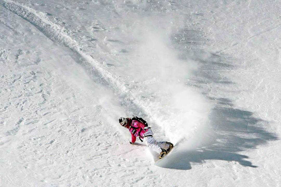 Abseits der Pisten: Géraldine Fasnacht beim Freeride mit dem Snowboard  | Foto: epa Keystone Bott