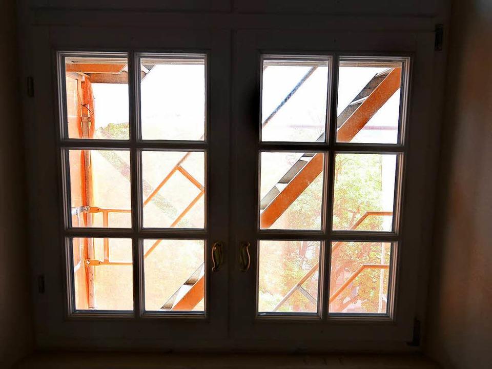 Rund 200 Fenster werden derzeit  auf den neuesten Stand gebracht ...  | Foto: Rita Eggstein