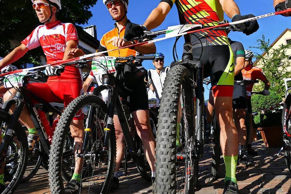 Ideale Bedingungen herrschten beim Ultra Bike in Kirchzarten. Über 4600 hochmotivierte Teilnehmer gingen an den Start. (Foto: Markus Donner)