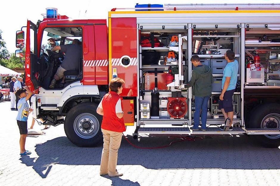 Mit einem Fest am Feuerwehrgerätehaus feierte die Freiwillige Feuerwehr St. Blasien die Weihe des neuen Rüstwagens. (Foto: Claudia Renk)