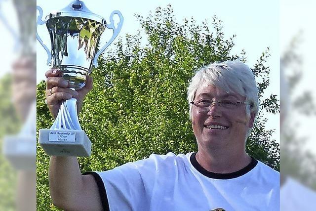 Heike Rösch Weltmeisterin im Axtwerfen