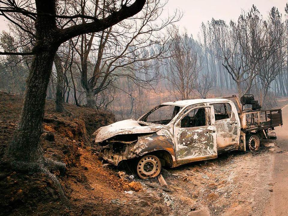 Wo das Feuer gewütet hat, hinterlässt es  Zerstörung.   | Foto: dpa
