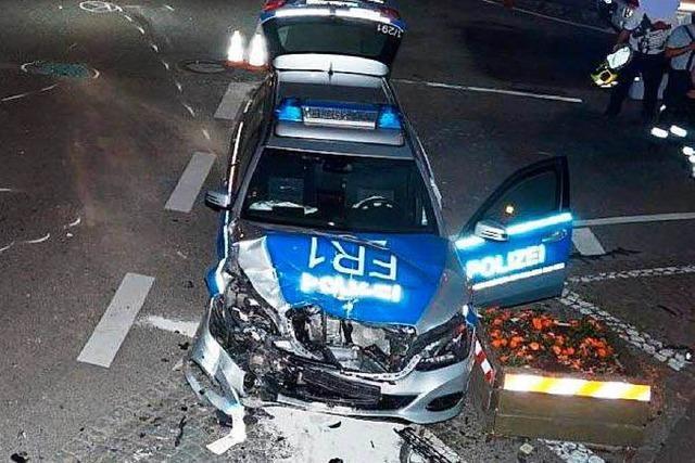 Polizei in Wyhlen in schweren Unfall verwickelt – drei Verletzte