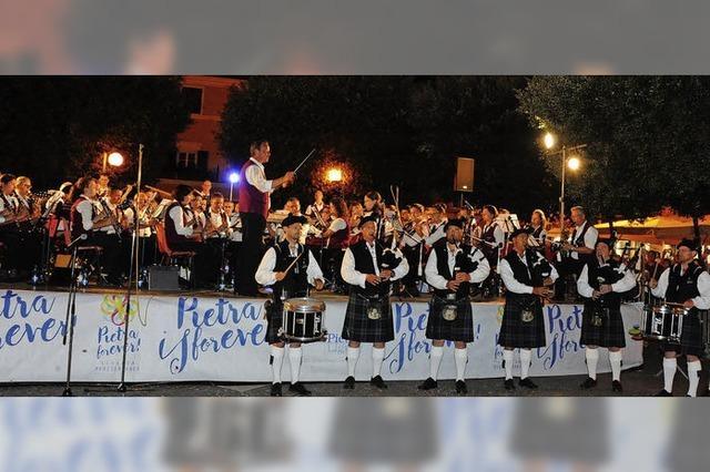 Tosender Applaus für die Stadtkapelle in Pietra