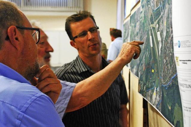 Bürger informieren sich über die Entlastung der Kreuzung Hasenloch