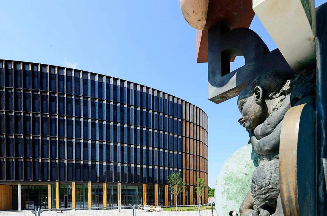 Erst fertig bauen, dann den Rechtsstre... sich die Stadtverwaltung zurückholen.  | Foto: Ingo Schneider