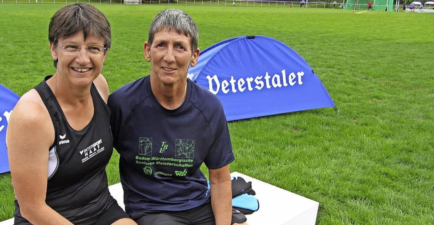 Zwei Hammerwurflegenden räumten in Hel...ia Burgbacher (rechts) aus Furtwangen.  | Foto: Ottmar Heiler