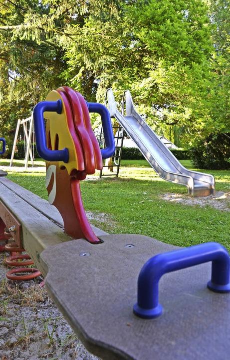 Der Park neben dem Alten Krankenhaus bietet Raum zum Erholen und Spielen.    Foto: Erika Bader