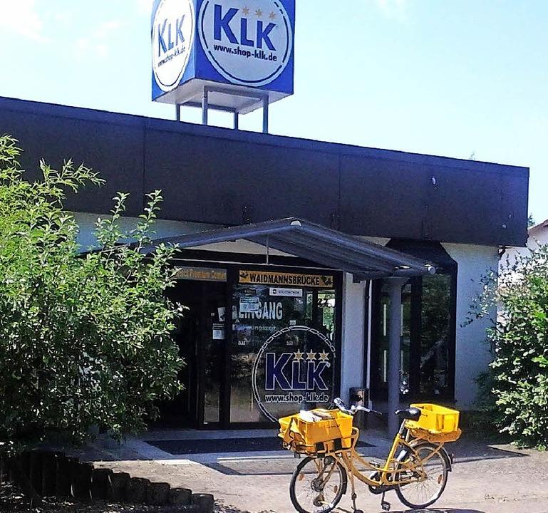 Der Briefträger hält künftig am  KLK-Shop.   | Foto: C.Bachmann-Goronzy