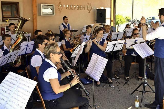 Viele Gäste bei der Stadtmusik