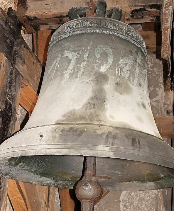 Eine der sechs sanierungsbedürftigen Glocken in der Waldshuter Liebfrauenkirche.  | Foto: freudig
