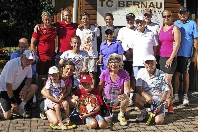Tennis und Grillparty