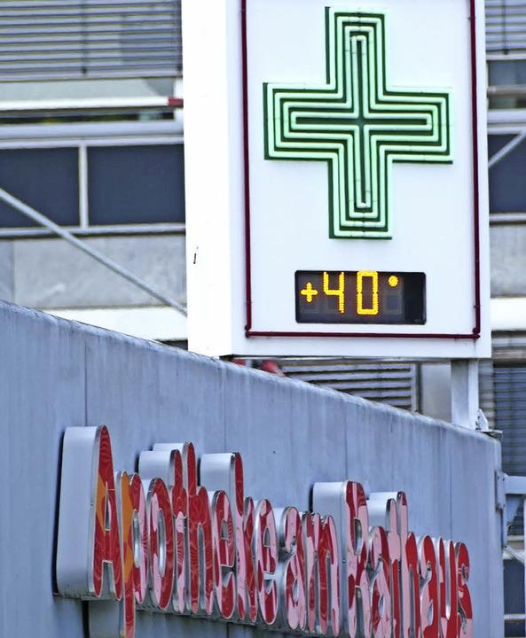 40 Grad zeigte das  Thermometer der Ra...ke am Mittwoch um kurz vor 15 Uhr an.     Foto: E. Bischoff