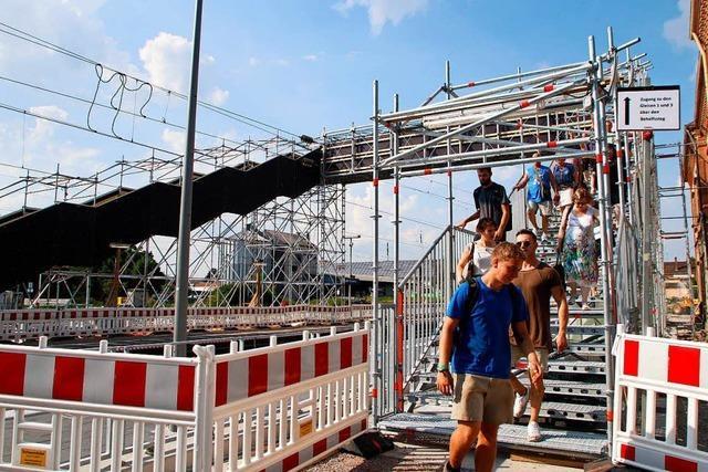 Behelfsbrücke über Lahrer Bahngleise ist jetzt in Betrieb