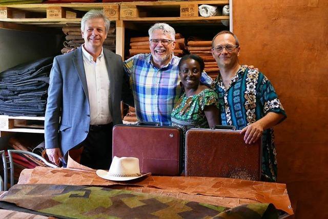 US-Generalkonsul besucht kleine Firma in Ebringen