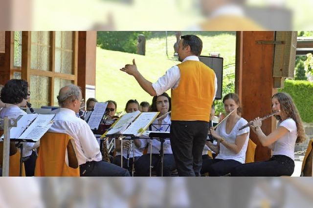 Die Stadtmusik und die Jugendkapelle St. Blasien, Old Rabbits, die Bötzbergmusikanten in St. Blasien