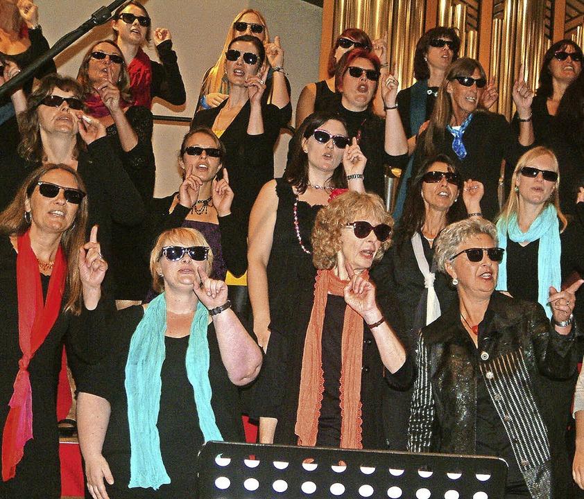"""Der Pop- und Gospelchor """"Resonan...für bunte und freche Outfits bekannt.     Foto: Archivfoto: Frey"""