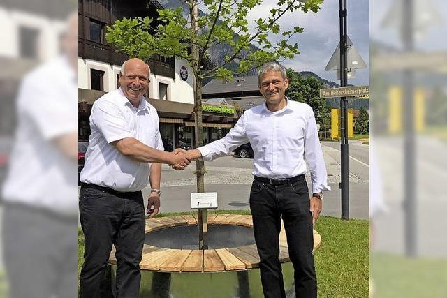 Jubiläumsbaum eingeweiht