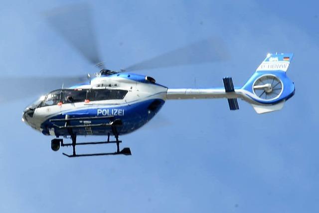Hubschrauber fliegt nachts minutenlang über den Flückigersee – Hintergrund ist Suchaktion