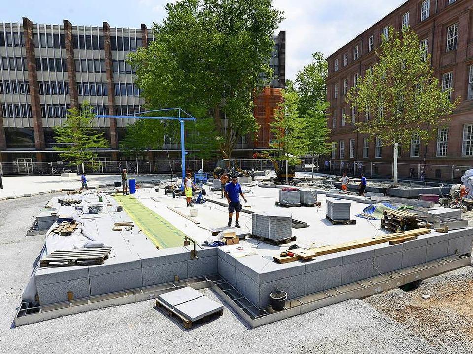 Der Brunnen soll an die Alte Synagoge ...m Platz vor dem Theater den Namen gab.    Foto: Ingo Schneider