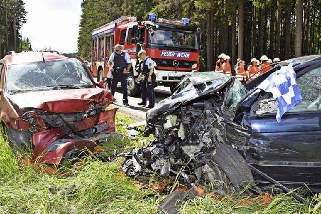 Sieben Menschen teils schwer verletzt