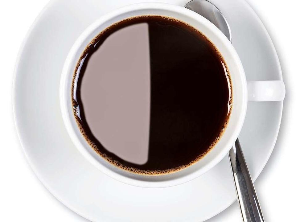 Schnell noch 'ne Kaffee vor der ...hrer vermutlich ein Bußgeld bescheren.  | Foto: RTimages - Fotolia