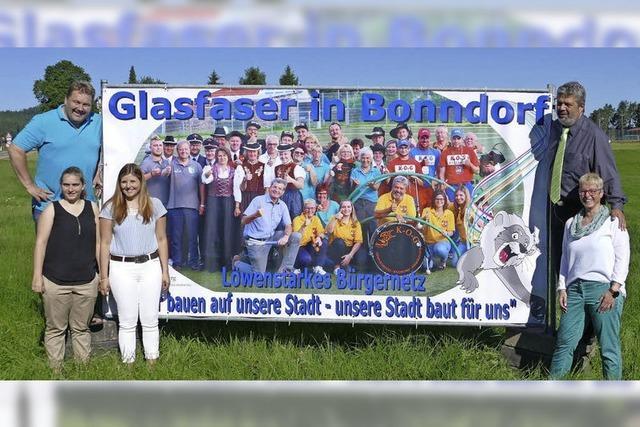 Stadt wirbt mit Vereinsvertretern für den Anschluss ans Glasfasernetz