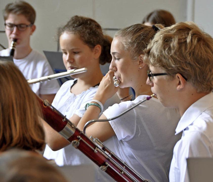 Die Orchesterteenies der Stadtmusik un...k unter der Leitung von Ellen Winzer.     Foto: Daniel Gramespacher