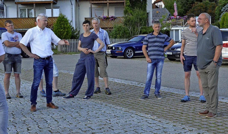 Der Parkplatz Hausmatte soll verbesser...ch die Gemeinderäte ein Bild gemacht.   | Foto: Alexandra Wehrle