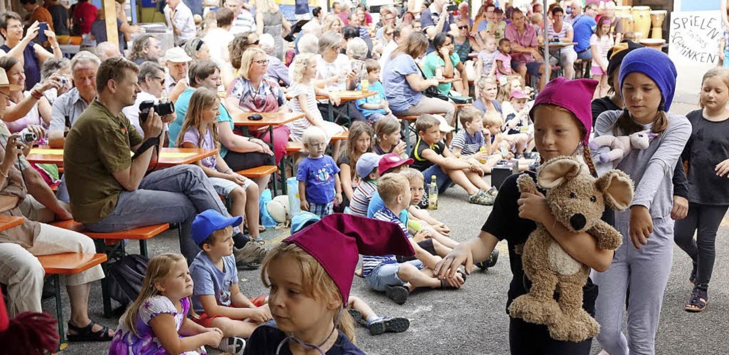 Die Zaubervögel präsentierten das  Mus... Zeugen –  die Kinder entführt.   | Foto: Hege