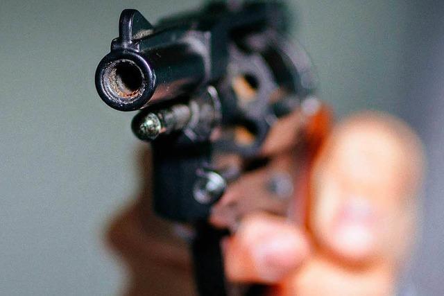 31 Jahre alter Mann liefert sich Schusswechsel mit der Polizei