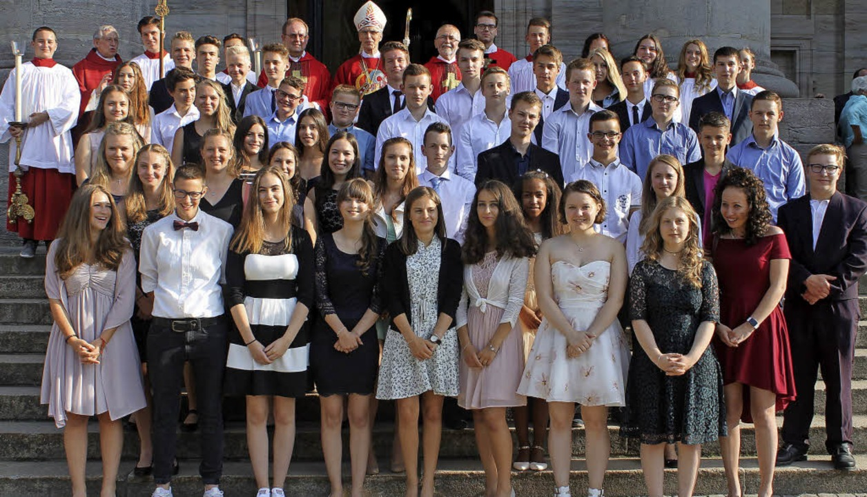 50 junge Leute wurden im Beisein von P...gendlichen das Sakrament der Firmung.   | Foto: Cornelia Liebwein/Stefan Pichler
