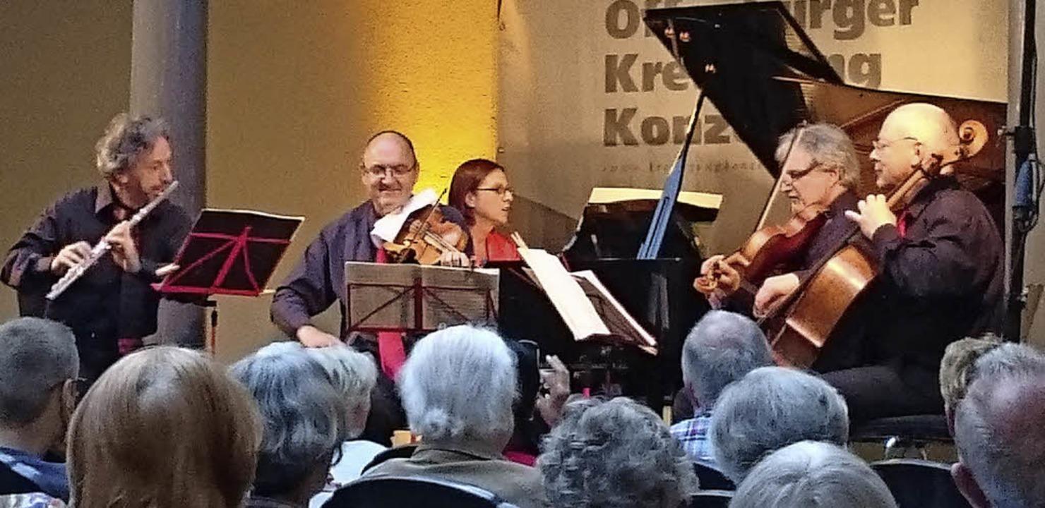 Alle fünf Musiker des Abends auf der B...amik, Rolf Schilli, und Martin Merker   | Foto: rwb
