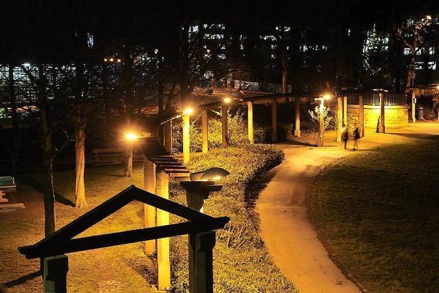 Stadt verbessert Beleuchtung auf Straßen und Plätzen