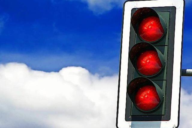 Neue Ampelschaltung bringt Verkehr in Haltingen zum Erliegen
