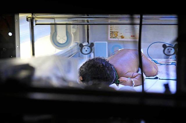 Schwer behindertes Baby - Gutachter sieht Schuld bei Klinikärzten
