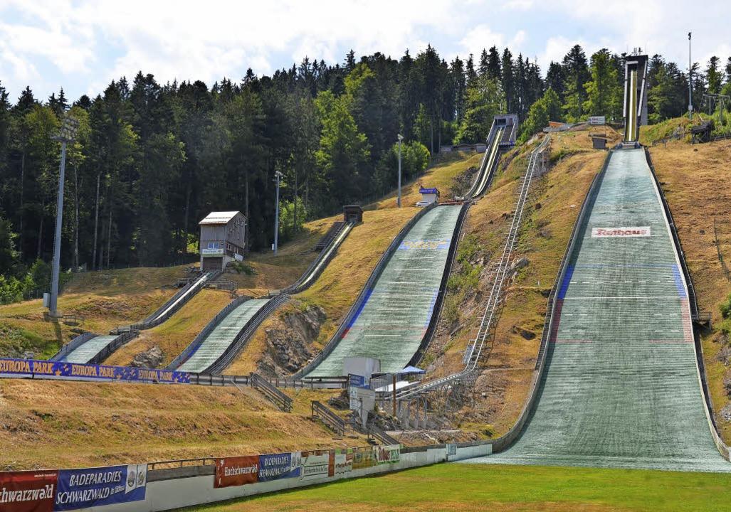 Traumziel für Weitenjäger im Sommer wi...bei zwei Weltcupskispringen abheben.    | Foto: bachmann