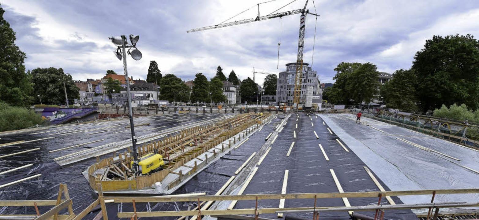 Fertig! Der Beton muss mindestens eine...an die Bauteile für die Geländer geht.    Foto: Thomas Kunz