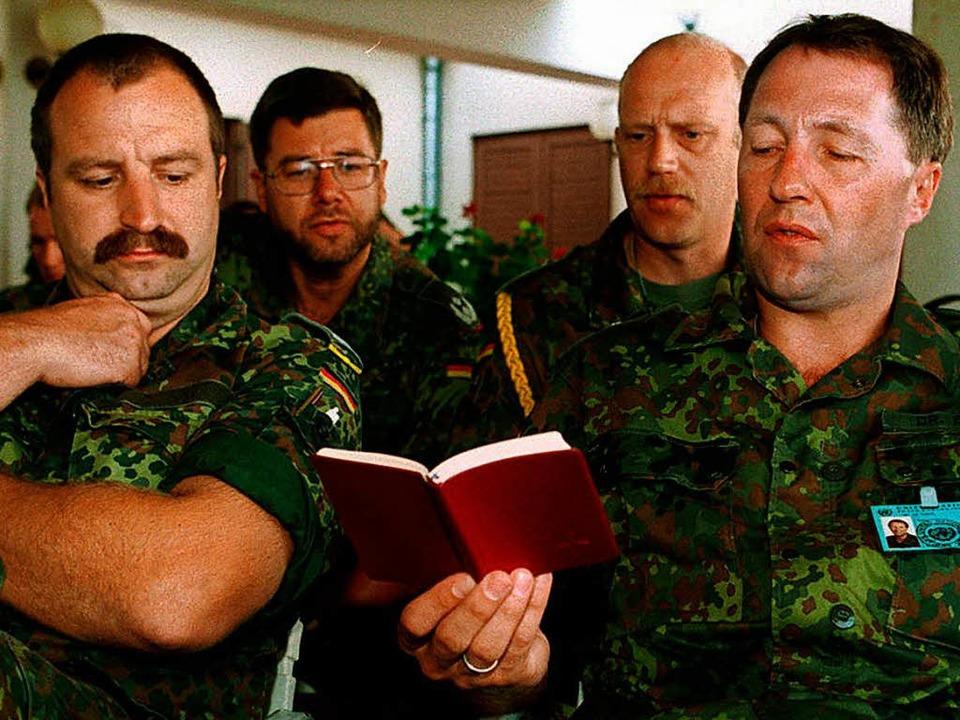 Singende Soldaten der Bundeswehr (Symbolbild)  | Foto: Oliver_Berg