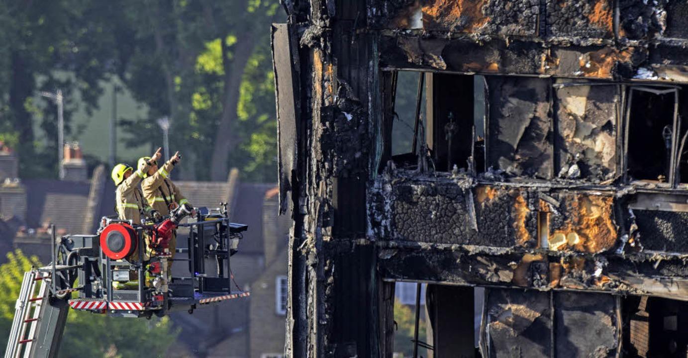 Die Bergung der Opfer in Grenfell Tower wird  schwierig werden.     Foto: dpa