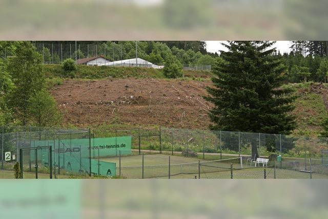 Personalwohnungen zwischen Tennisnetz und Fußballtor