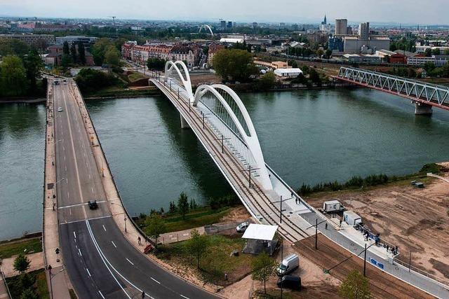 Ärger um Taufe von Helmut-Kohl-Brücke zwischen Straßburg und Kehl
