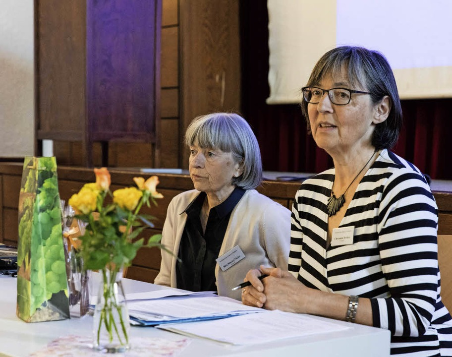 Rita Maciej-Meier und Chrysanta Dreher...s Sozialdienstes katholischer Frauen.     Foto: Gabriele Zahn