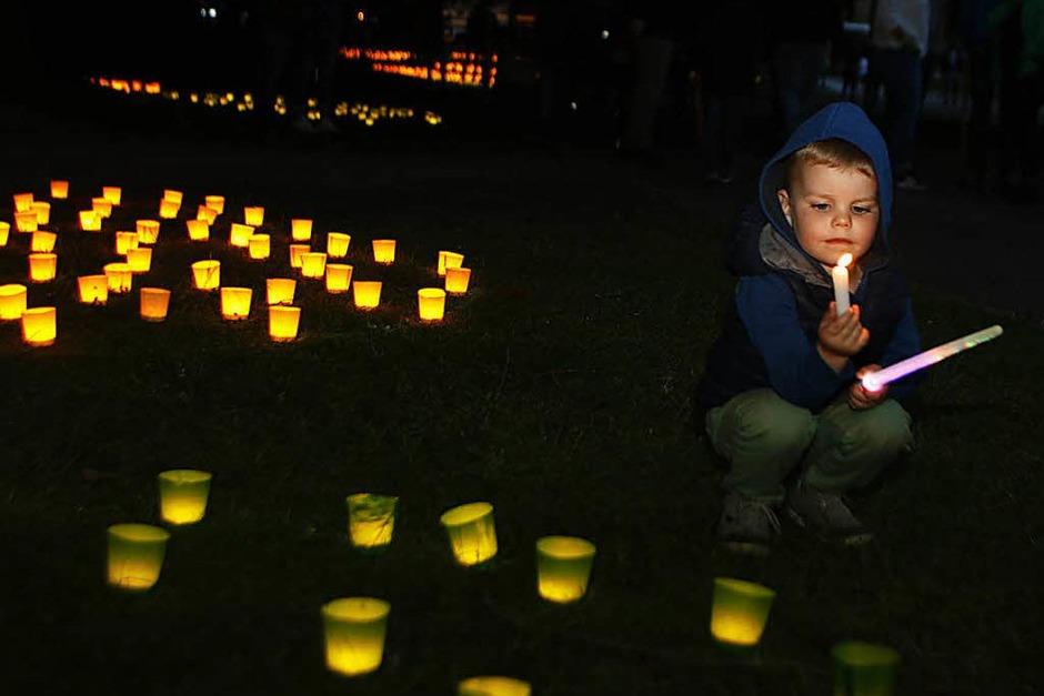 Bunte Lichter, Musik, Tanz und ein Feuerwerk – das große Fest im Stadtpark ist ein Publikumsmagnet.