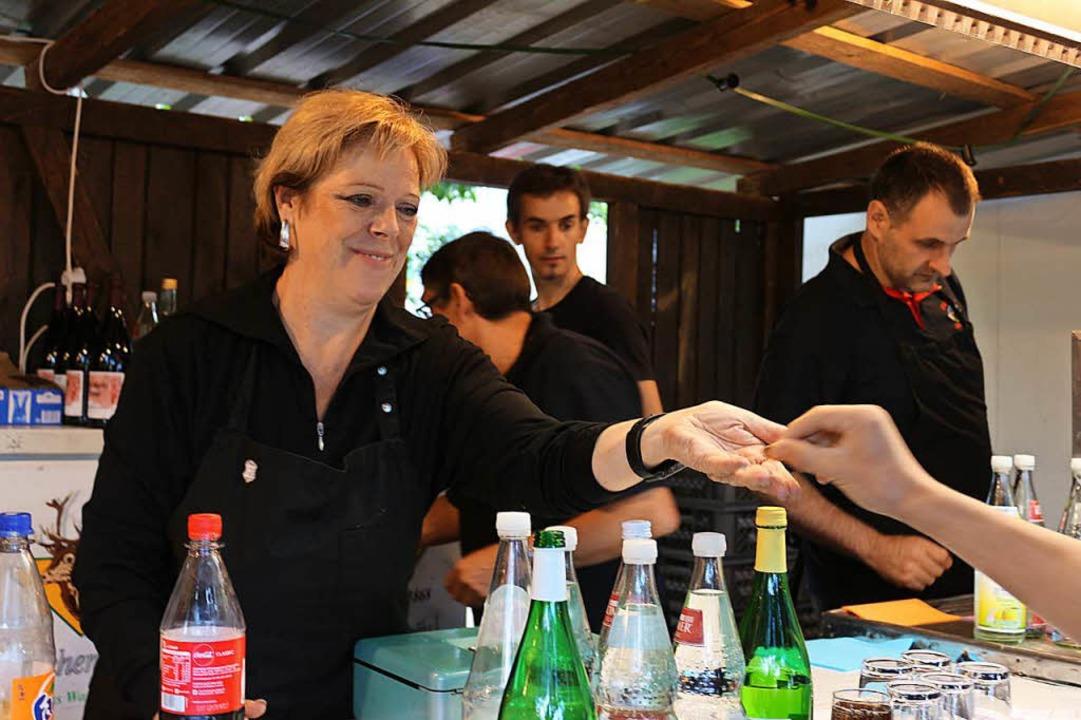 Landtagsabgeordnete Sabine Wölfle kam ...Sohn Mitglieder der Musikkapelle sind.  | Foto: Karin Heiß