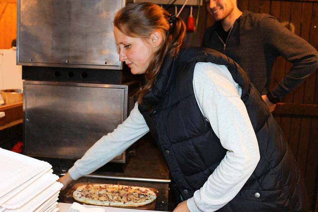 Frischer Zwiebelkuchen aus dem Ofen  | Foto: Karin Heiß