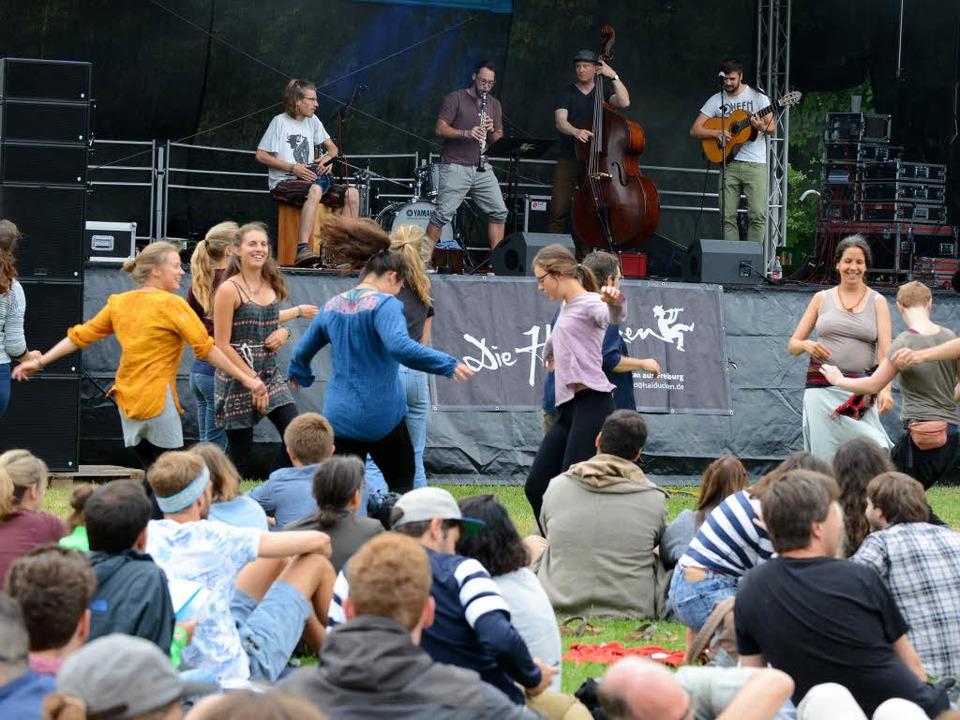 Der Auftritt der Haiducken im Eschholzpark konnte 2017 wie geplant stattfinden.  | Foto: Rita Eggstein