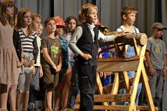 Schulen und Betriebe früh verzahnen
