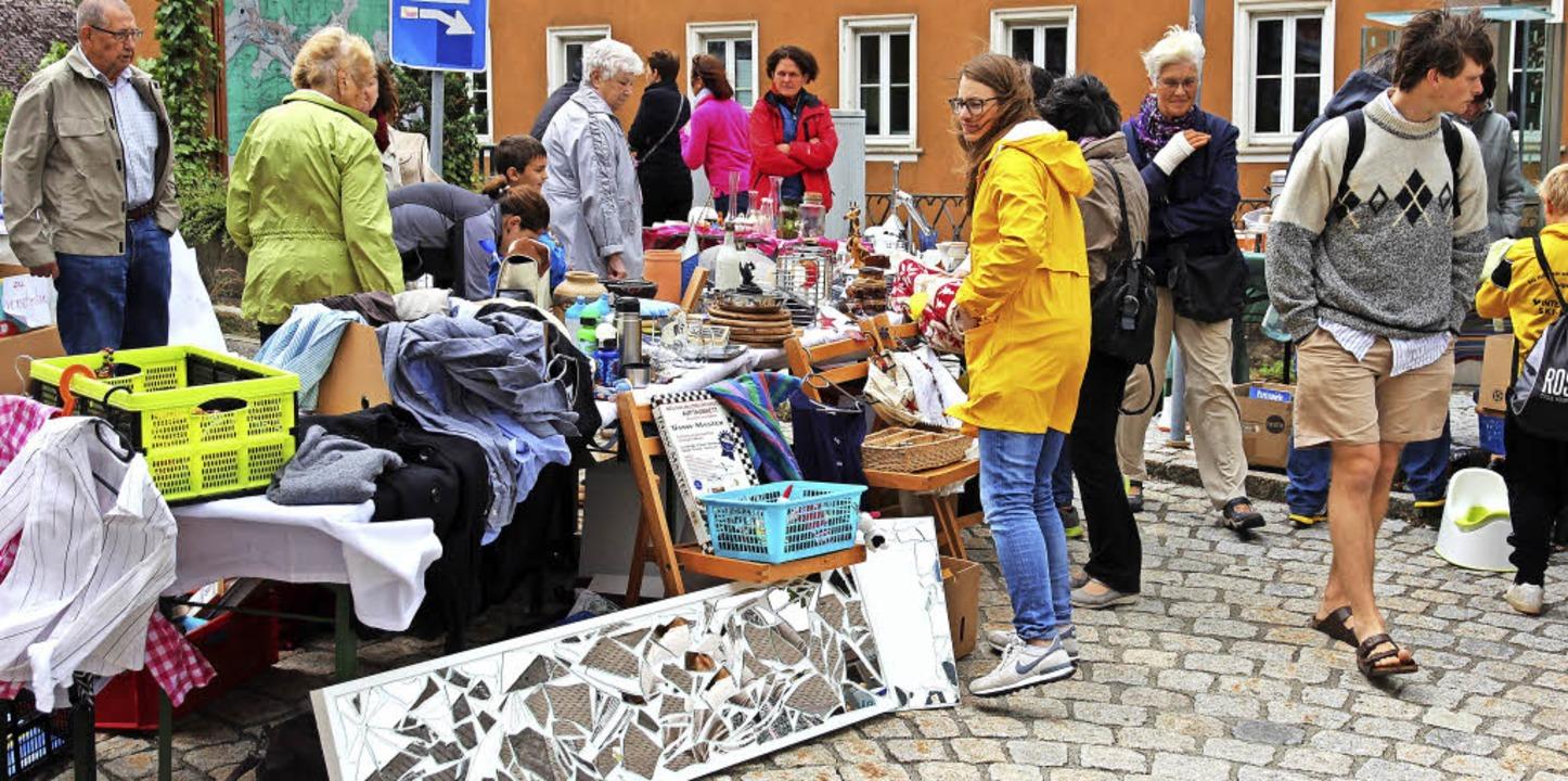 Groß war das Angebot des Flohmarktes.  | Foto: Eva Korinth