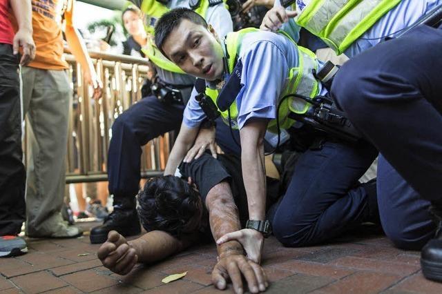 Feiern und Proteste in Hongkong